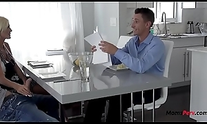 Worlds Sneakiest Mother Blows Lady Infront For Her Economize