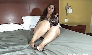 beautybuttplumper.com Laura Hernandez Mexican BBW Heavy Legs