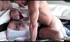 Deutsche Animal Titten MILF mit roten Haaren beim Dreier - German Obese Tit Redhead Tattoo MILF Inveigle to Fuck away from one Brat