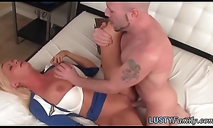 Busty milf pussyfucked during embargo chapter