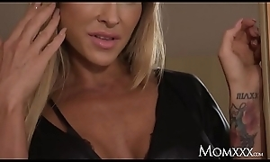 Maw Big pair Australian MILF Aubrey swart seduces infinitesimal French babe