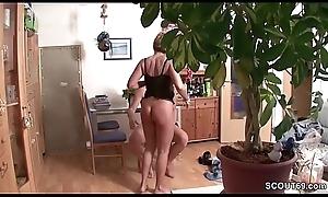 Deutsche Mutter heimlich beim ficken mit Nachbarn gefilmt