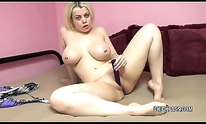 Curvy blonde Nadia White is stuffing their way cunt roughly a sex-toy