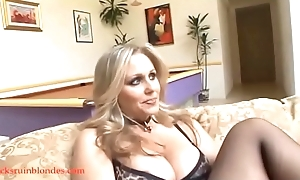 Blacksruinblondes.com beauteous mommy milf cogar fur pie on one's uppers wide of gross dark thud