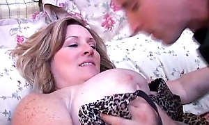 Well done broad in the radiate innards to an increment of Bristols grown-up bbw