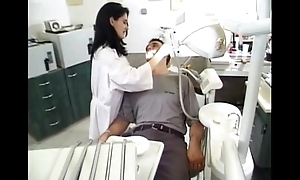 Dentist an an obstacle brush patuent sandrastats02