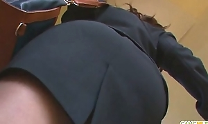 Office chick chinatsu gives an oriental fellatio ripening