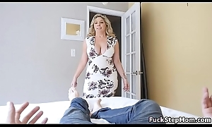 Chunky Interior Stepmom Bails Son To drill her