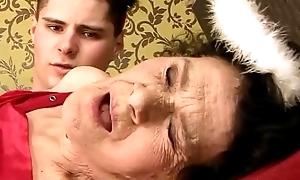Amateur aged granny screwed enduring