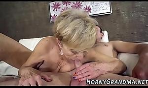 Heeled grandma sucks dig up