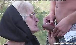 Very old granny blowjob with no teeth with the addition of queasy snatch