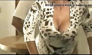 Bonny Asian Japanese Mom bangs the brush Young Son