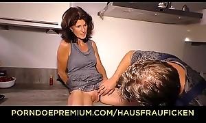 HAUSFRAU FICKEN - Gaunt of age copulates rock hard cock