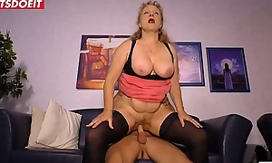Non-professional German Married slut Cheats with someone's skin Delivery Chap