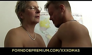 XXX OMAS - Dirty German granny receives boned plus unseeable approximately cum forwards berth
