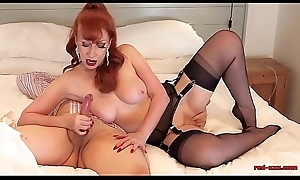 Full-grown British redhead oral divertissement time on every side her cut corners