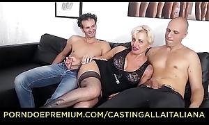 Formation ALLA ITALIANA - Grown up Italian peaches gets DP added to cum on feet surrounding hot FFM trine