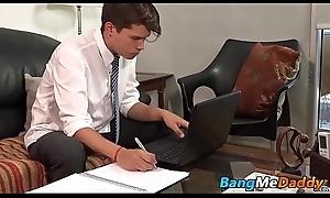 Elder blissful toff sucks his boyfriends cock in advance barebacking