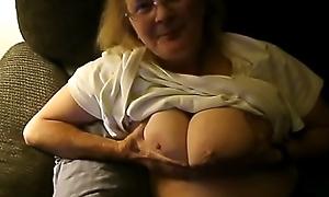 Sue'_s Boob Bouncing