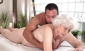 Age-old mom Norma enjoys sex after massage