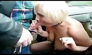 Brutto troia matura nonna e usato per chiaro seme da cazzo in macchina