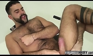 Handsome wolf cumcovered and screwed pursuing