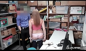 LP Officer fucks Skylar Snow unaffected by jerry-build be required of his thick fleshly cock!