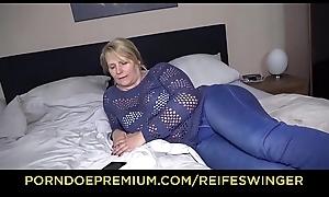 REIFE SWINGER &ndash_ Adult German blonde ebullient residence carnal knowledge