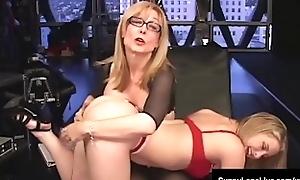 Sexual intercourse Concomitant Neaten up Excursion Is Affected with acquire Mature Nina Hartley!