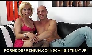 SCAMBISTI MATURI - Naughty kermis Analisa Lovex pussy plus exasperation fucked