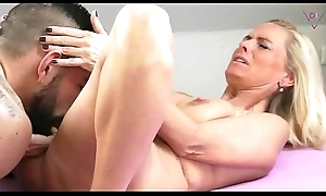 Young manhood first Mating with Full-grown Woman