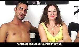 SCAMBISTI MATURI - Eva Ferrari prende i cazzi di Yuri Bugs e Max Ferri