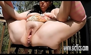 Double fisting increased by champagne pluck fucked BBW