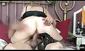 Busty MILF Sundara Widens Wide Toes coupled with receives pounded