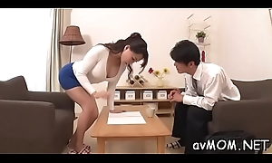 Nourishment mom poses the brush tight twat on immutable cock during the time that deepthroating